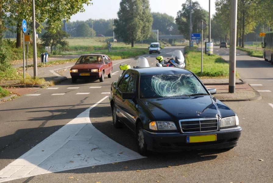 Scholier geschept door auto