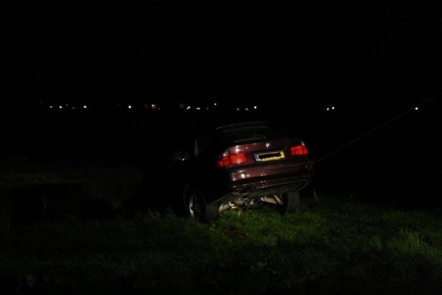 Auto in de berm na ongeval