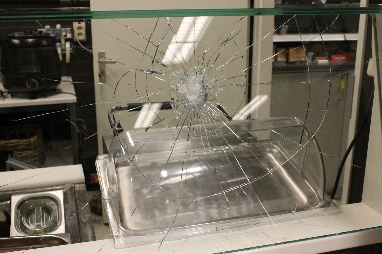 Veel schade bij inbraak tankstation
