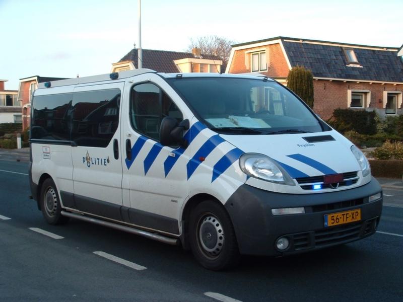 Nieuwe arrestanten bussen voor politie Fryslân