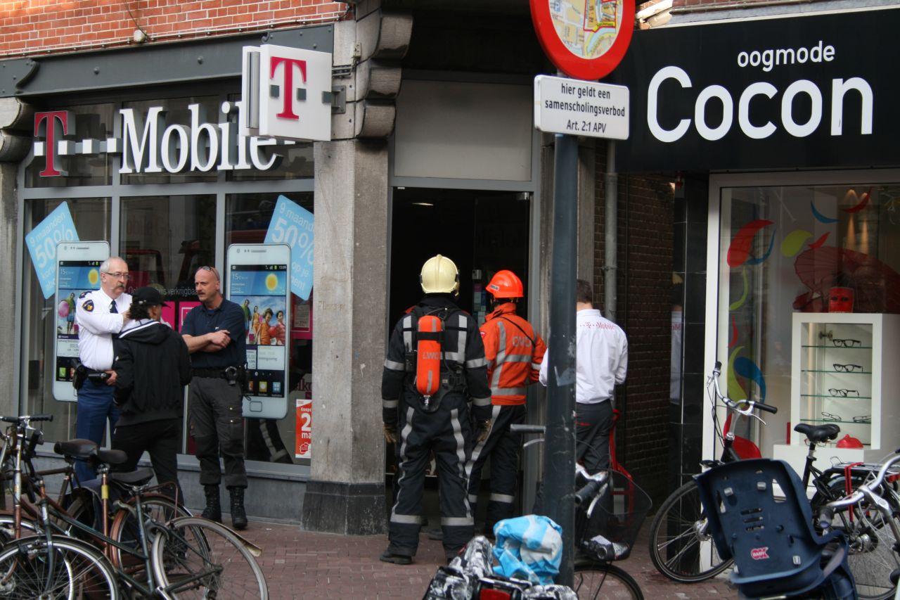 Klein brandje in T-Mobile shop