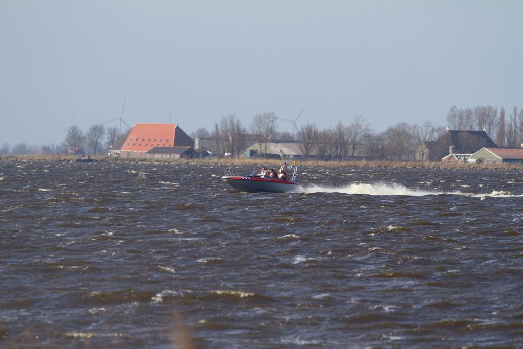 Vier vermisten na omslaan boot Hegemar (foto update)