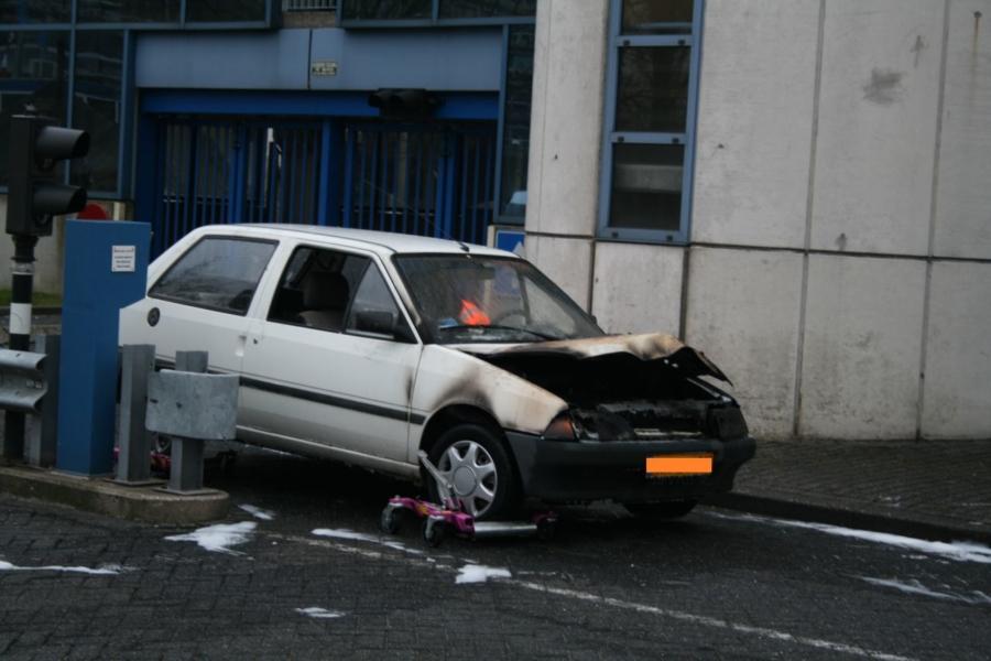 Autobrand in parkeergarage