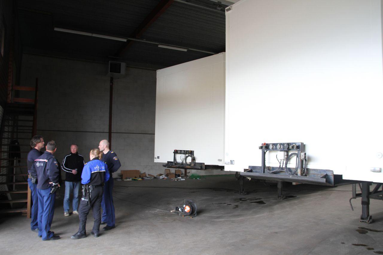 Hennepkwekerij aangetroffen in trailers