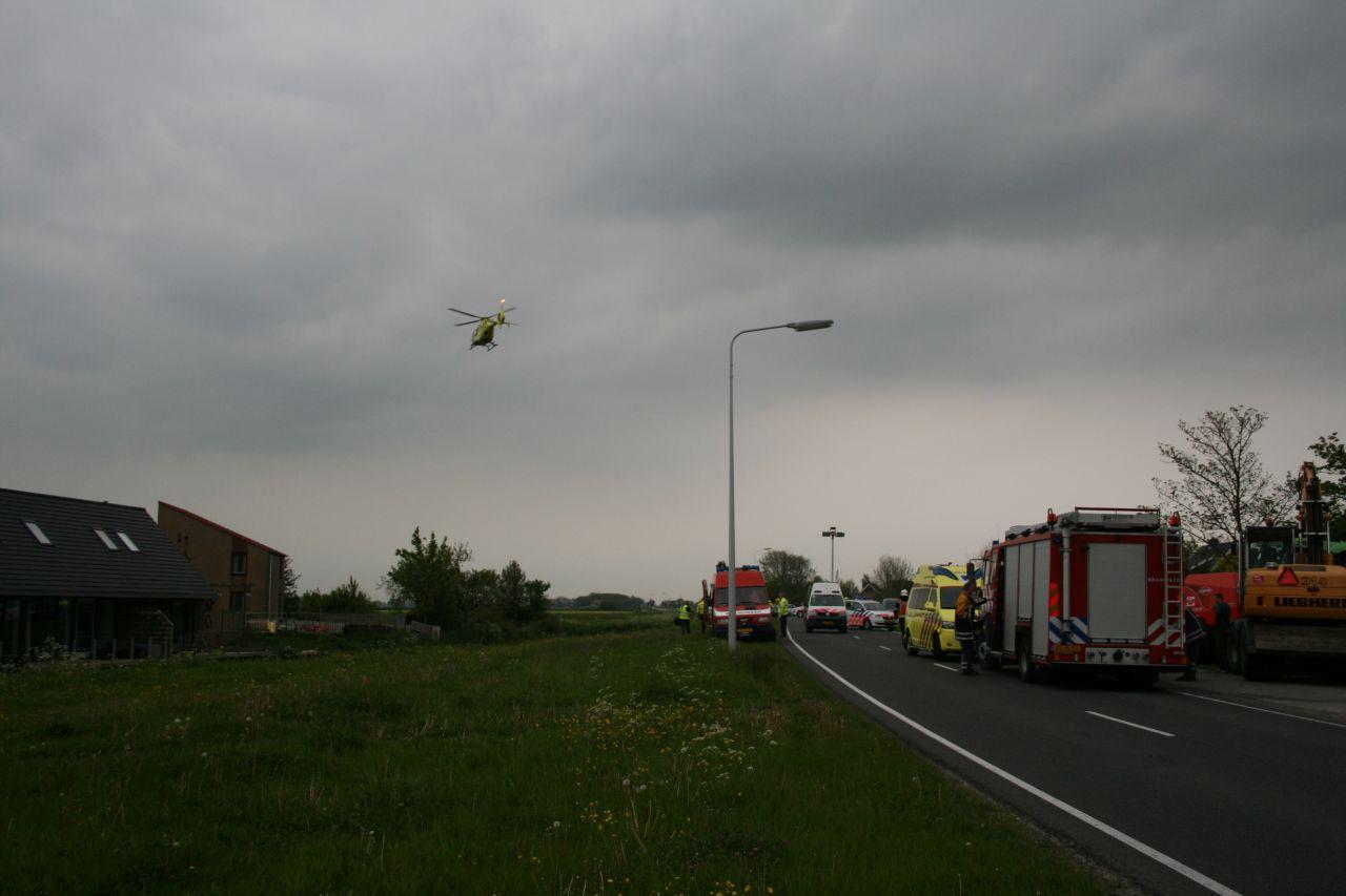 Ernstig ongeval tussen trekker en auto