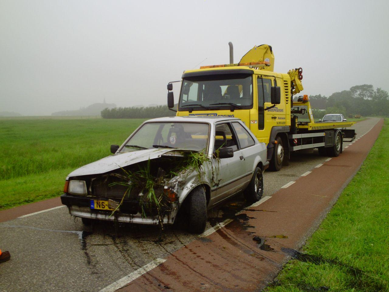 Auto in sloot na onwelwording