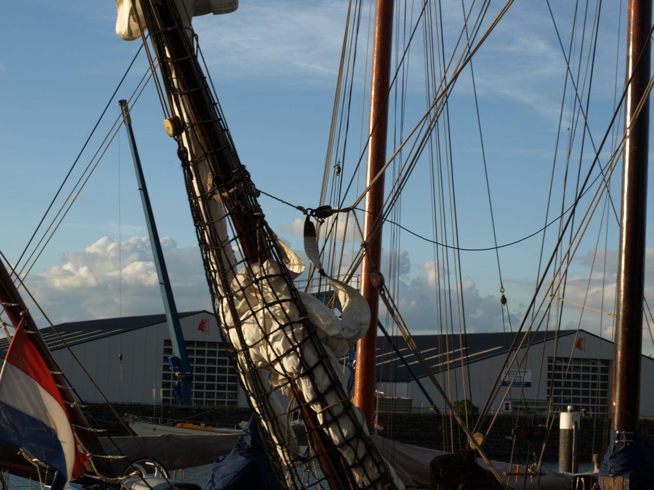 Jongen gewond op zeilschip