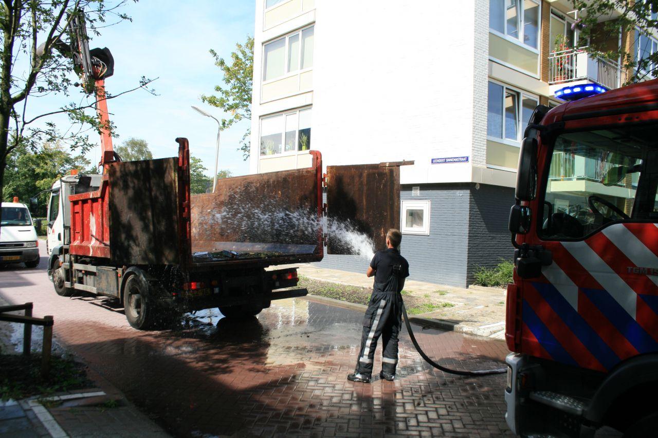 Vrachtwagenbrand blijkt brandend afval
