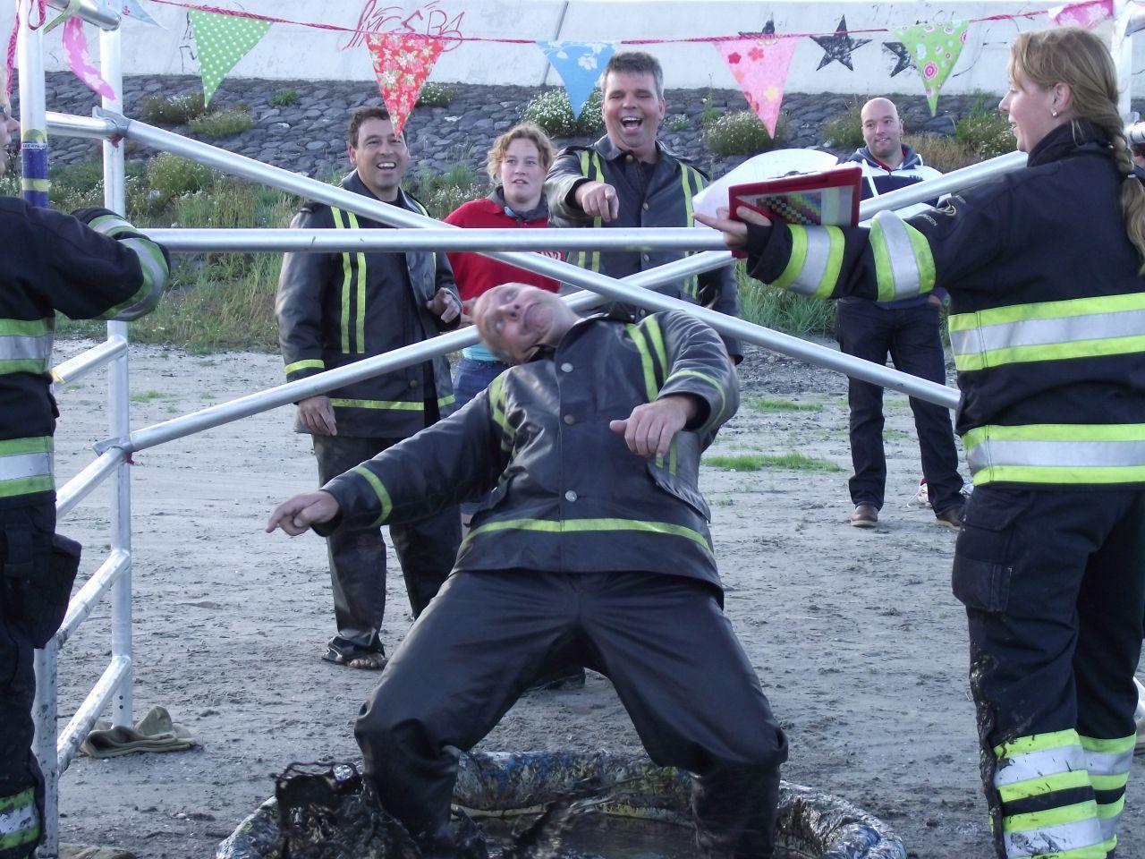 Sinterklaas deelnemer brandweer estafette