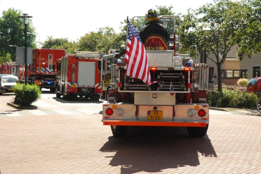 Brandweer defilé met 40 wagens
