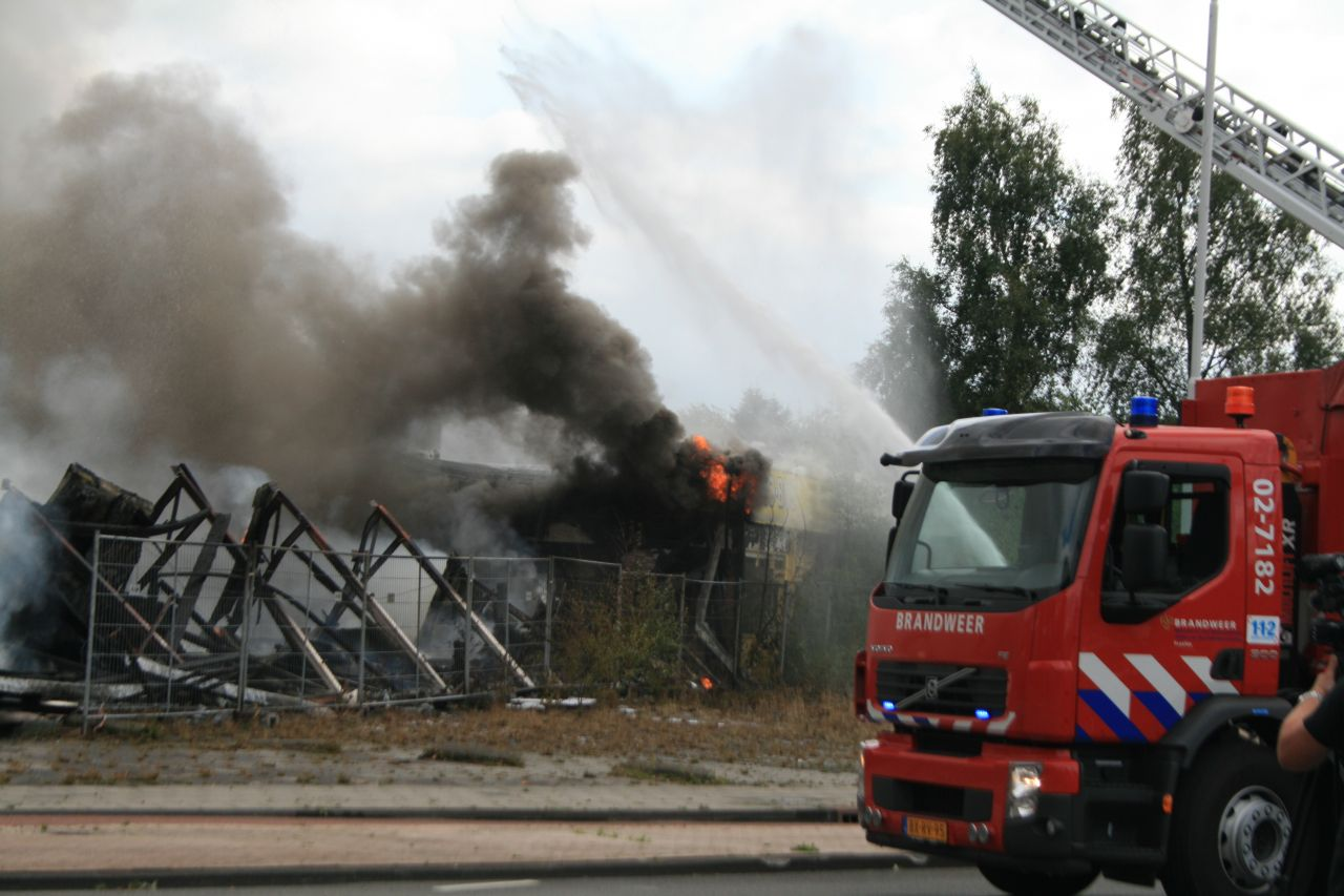 Grote brand in voormalig Shell gebouw