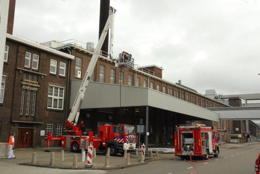 Brand op dak Friesland Campina