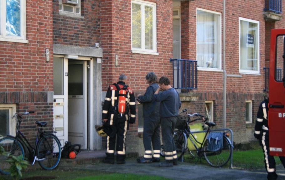 Tweemaal brandweeruitruk voor gas