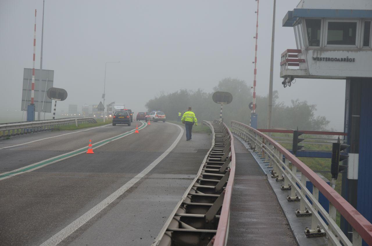 Aanrijding nabij brug