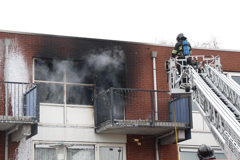 Forse brand verwoest flatwoning
