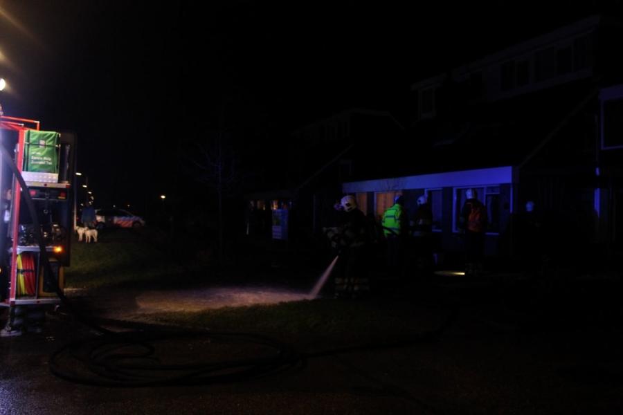 Veel rook bij garagebrand