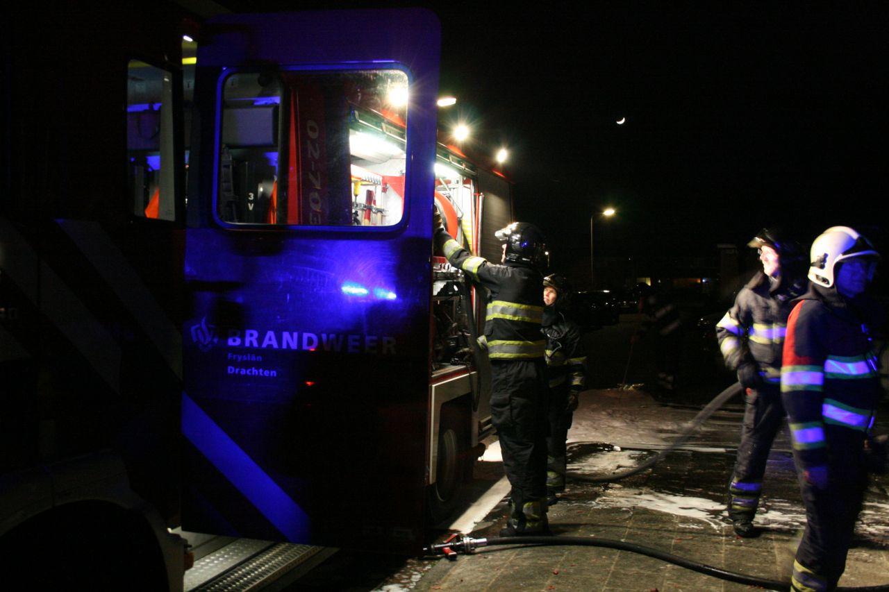 Keukenbrand door bewoners geblust