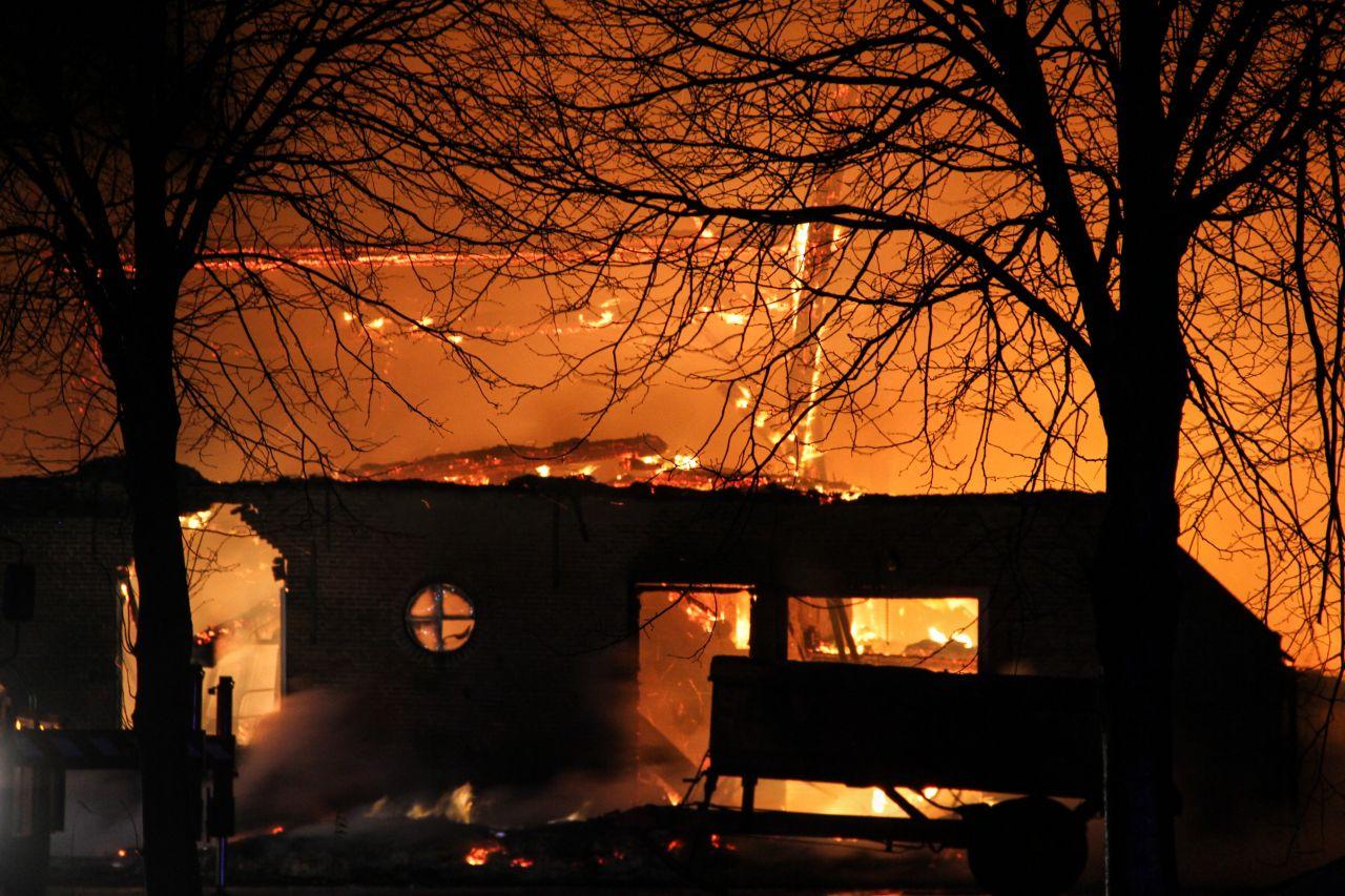 Boerderij in vlammen opgegaan