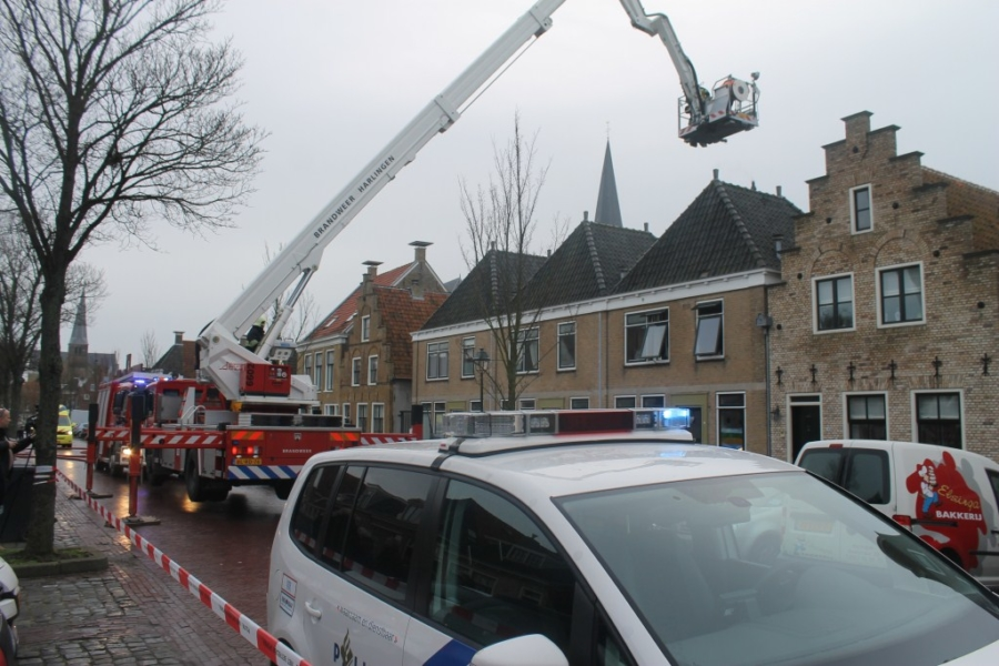 Man gewond bij brand in woning