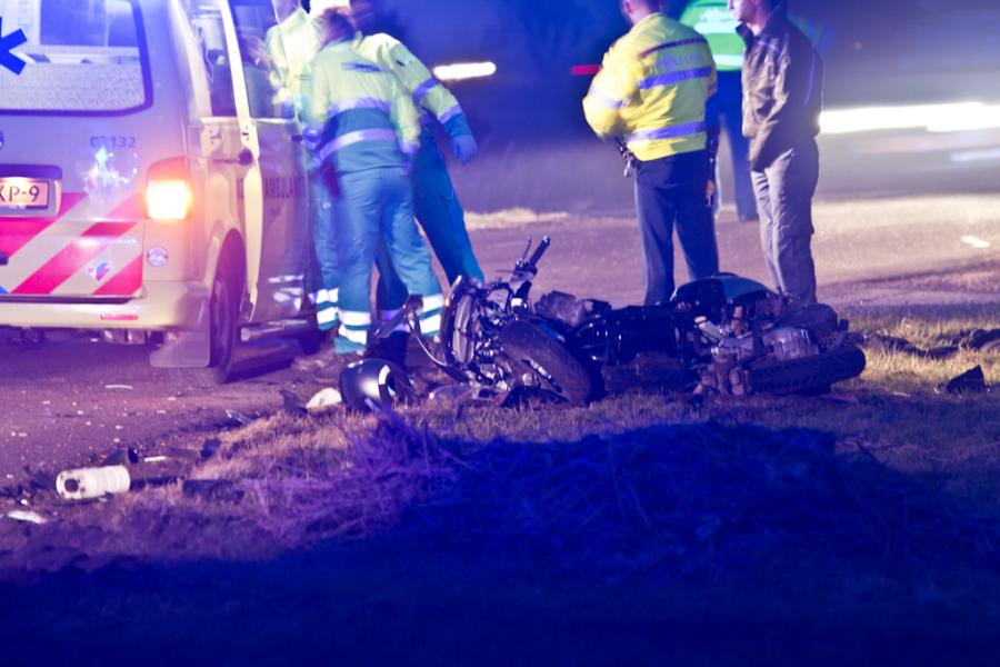 Scooterrijdster gewond na aanrijding