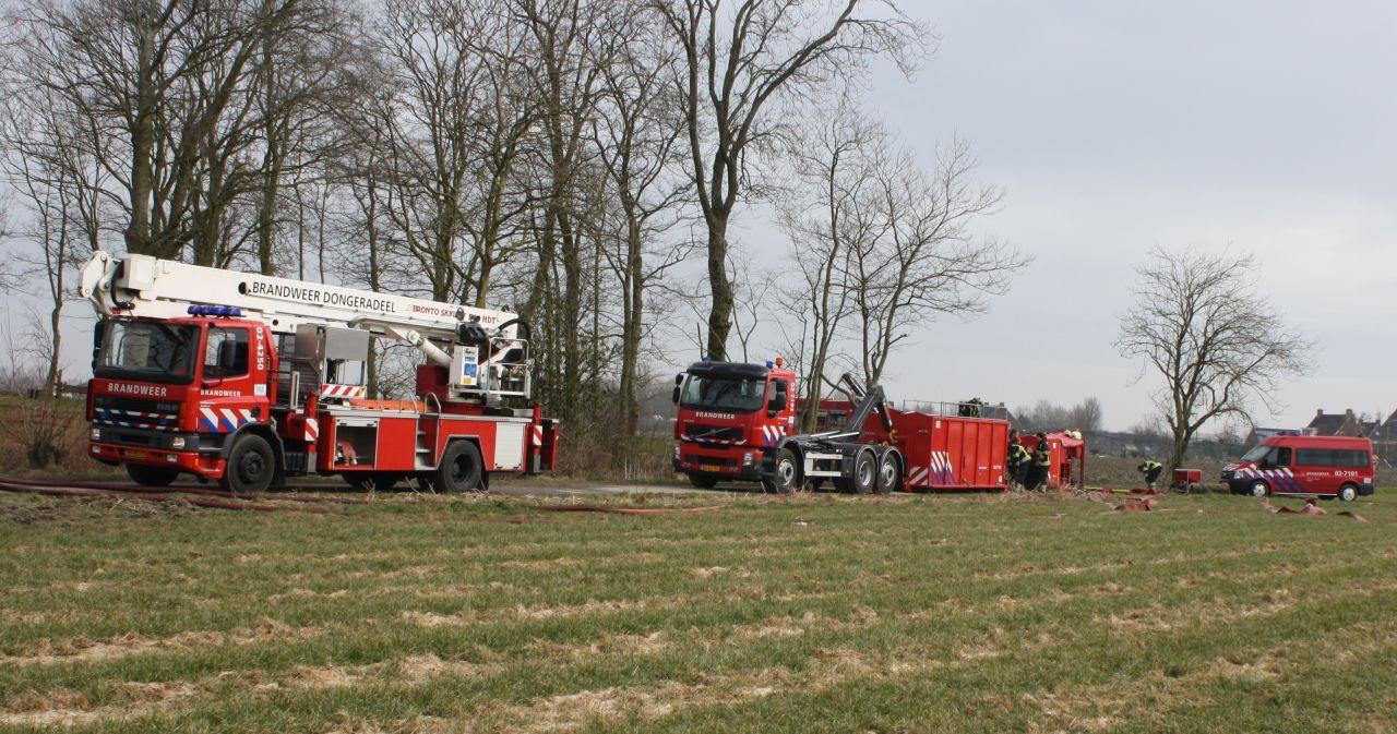 Woning gered bij grote boerderijbrand