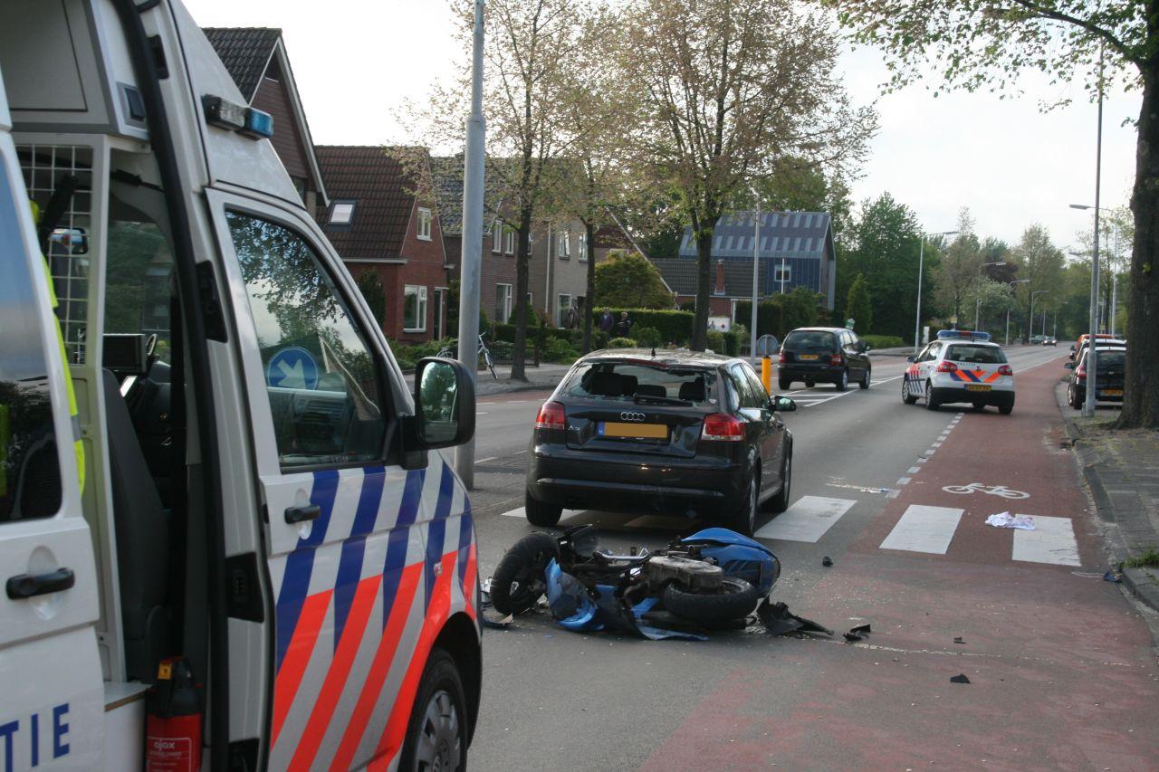 Twee gewonden bij scooter ongeval