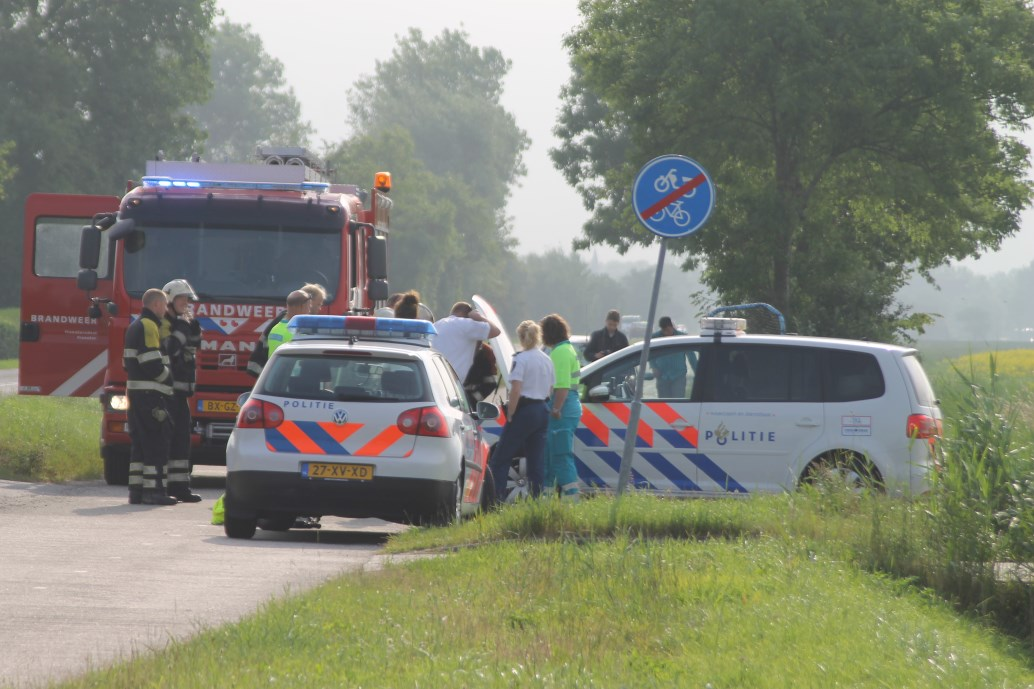 Klein brandje in politieauto