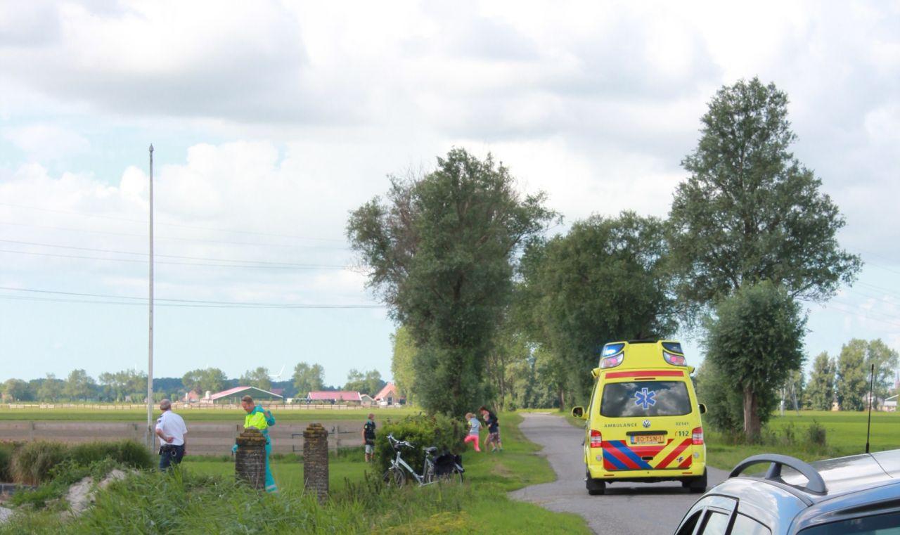 Jongen gewond na val door dak