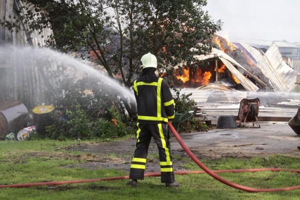 Grote brand verwoest schuur