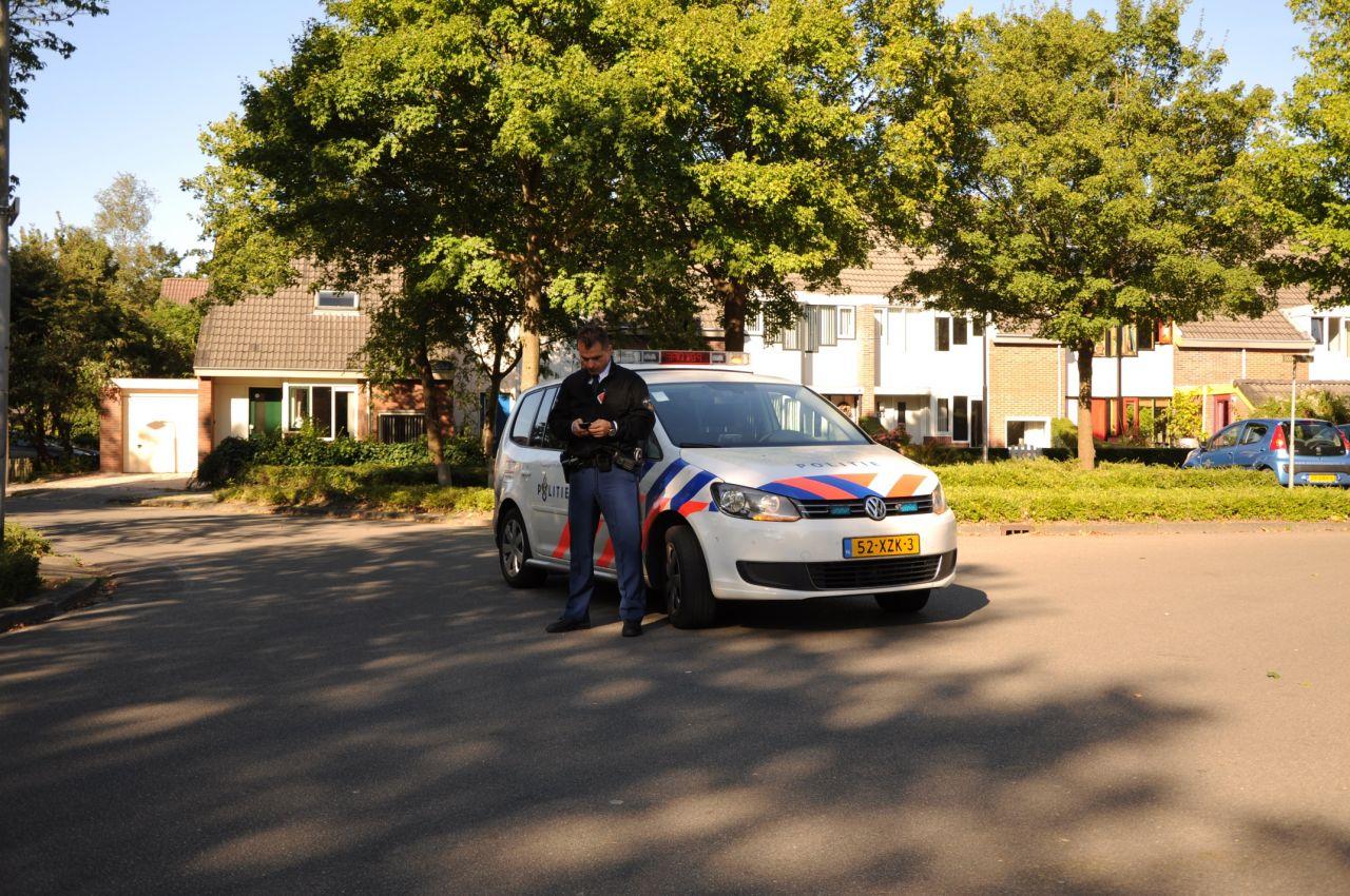 Politie gealarmeerd voor auto te water