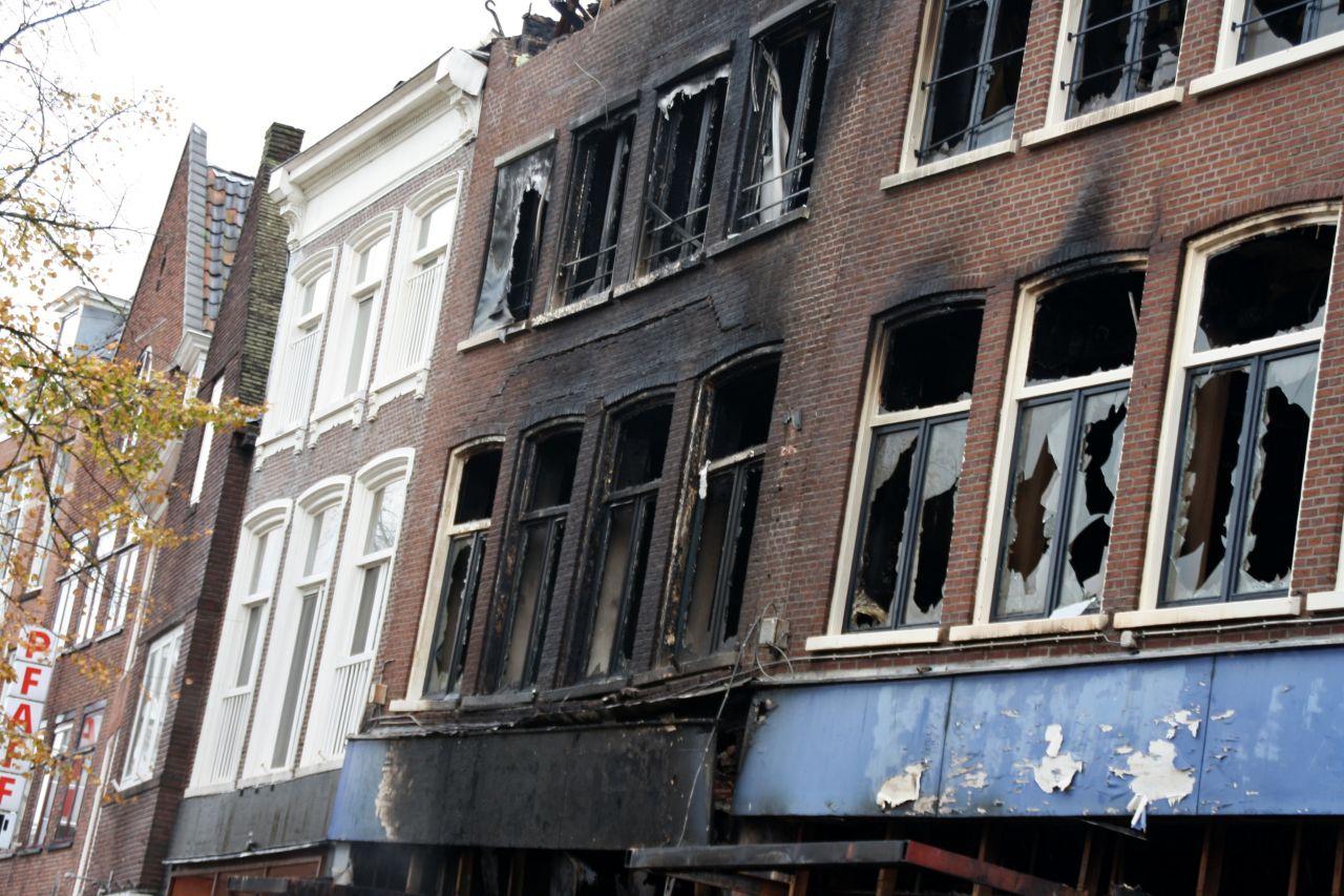 Acht panden verwoest door brand Leeuwarden