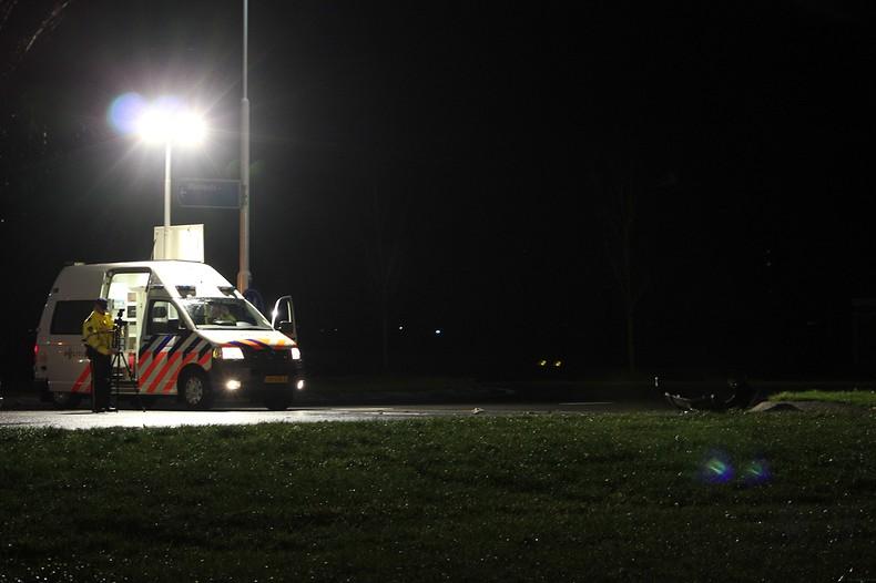 Vrouw verongelukt bij zwaar ongeval op Westergoawei