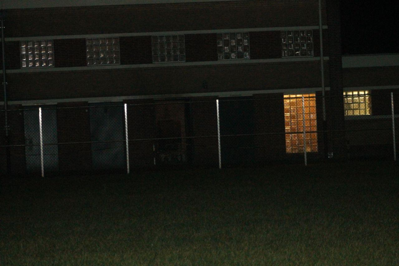 Explosie in verdeelstation: deel NOF zonder stroom [Foto update 19:54u]