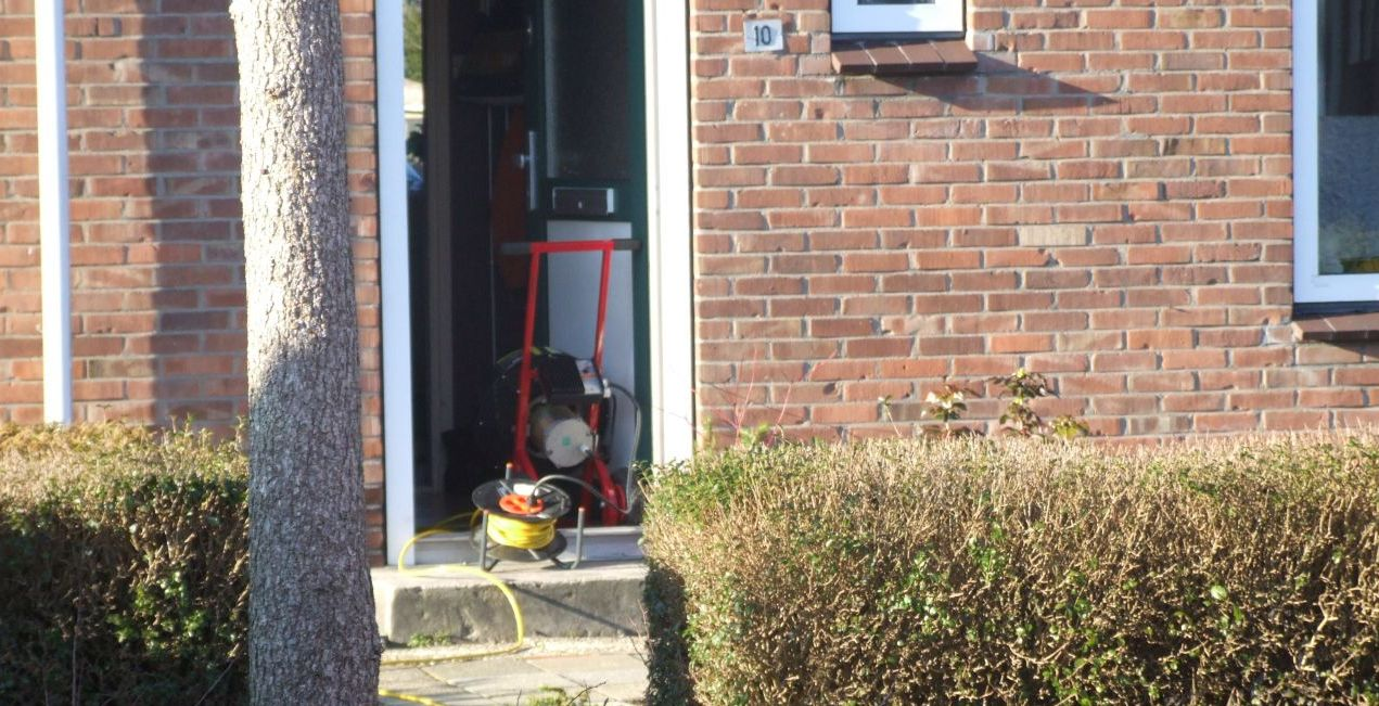 Keukenbrand: brandweer ventileert woning