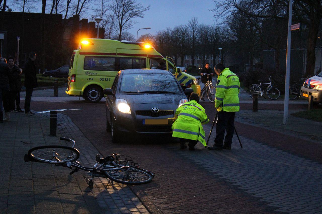 Jonge fietser gewond bij aanrijding