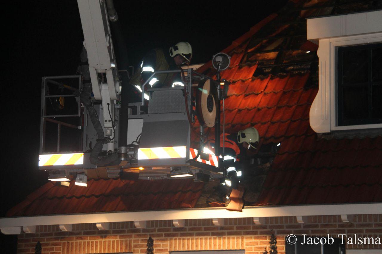 Uitslaande woningbrand richt grote schade aan