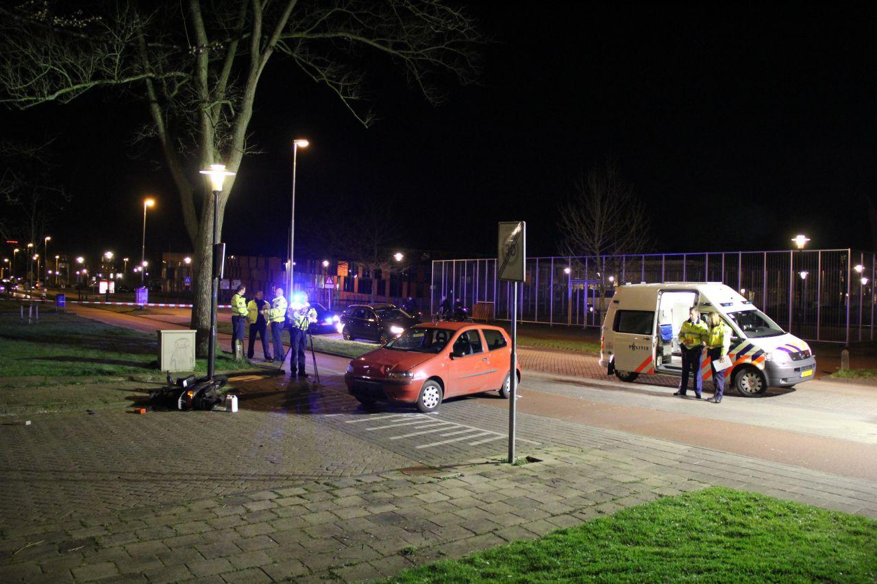 Twee gewonden bij ernstig scooterongeval
