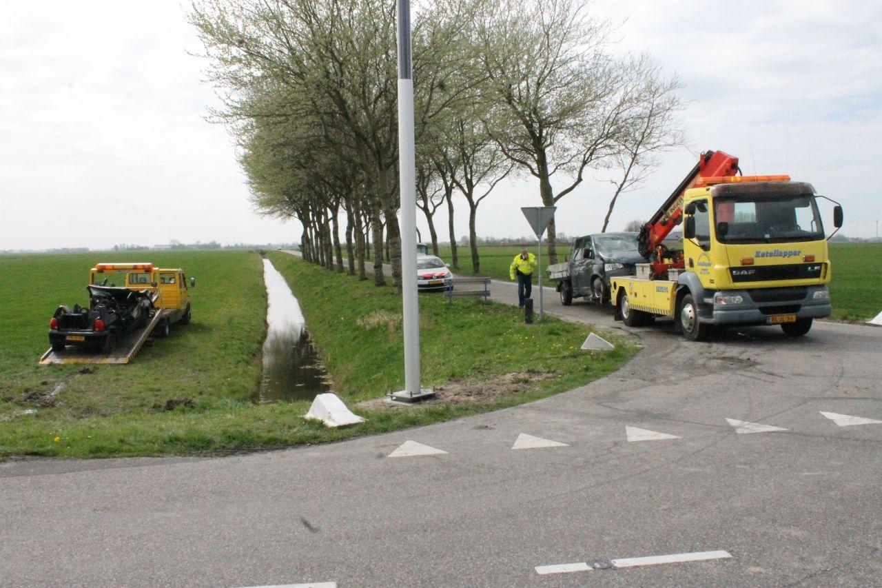 Voertuig belandt in weiland na ongeval