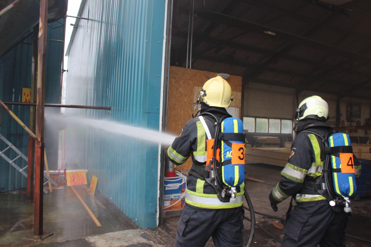 Surhuisterveen wint brandweerwedstrijden in Drogeham