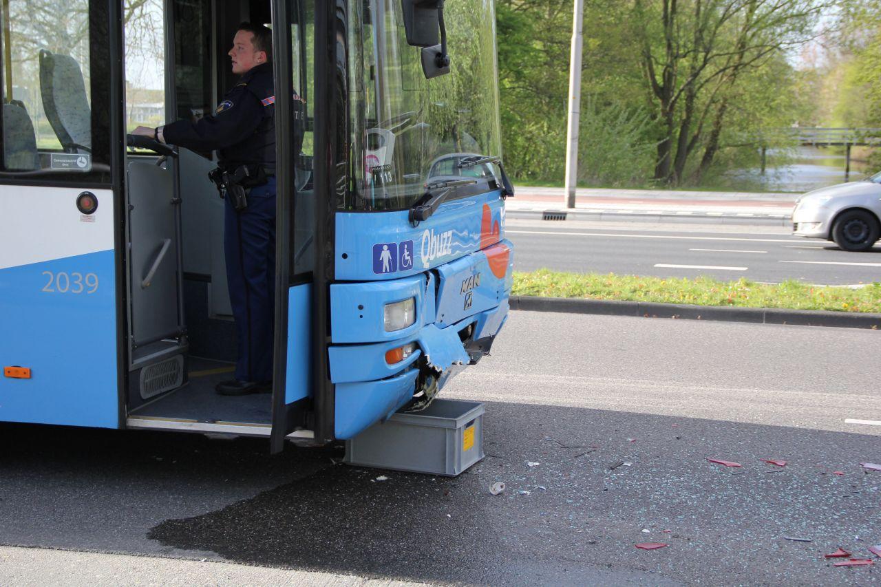 Lijnbus betrokken bij kop-staart aanrijding