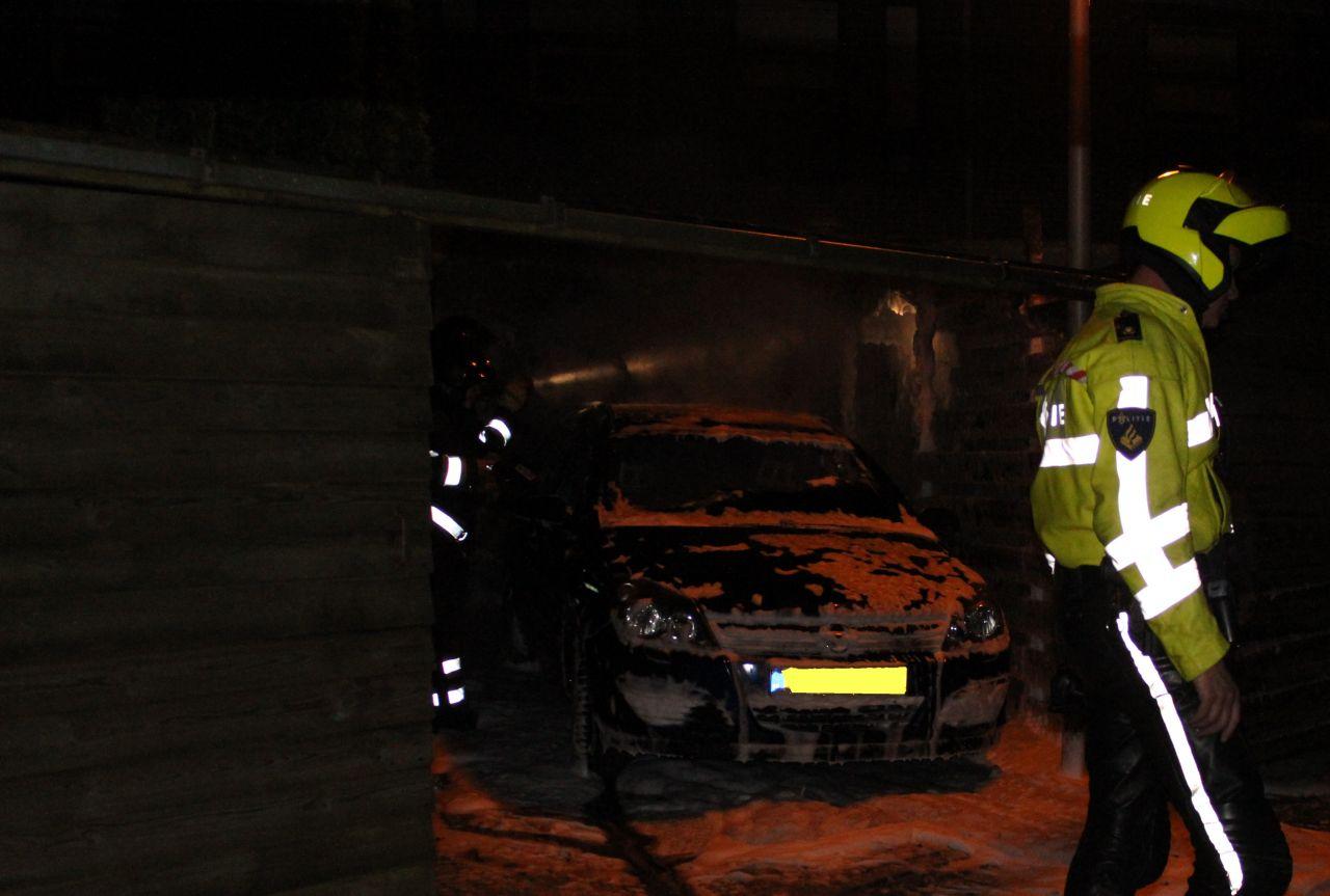 Auto gaat in vlammen op in Drachten