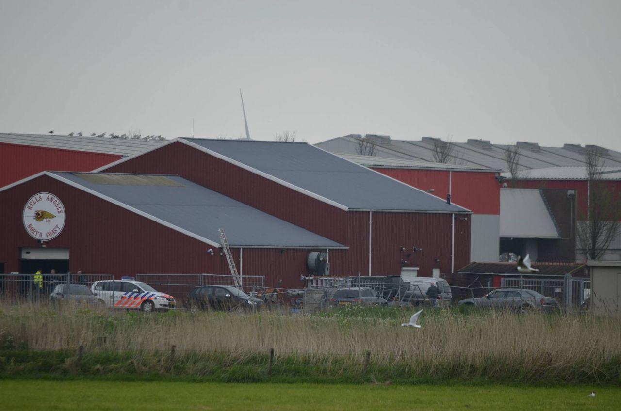 Politie doet inval in clubhuis Hells Angels Harlingen