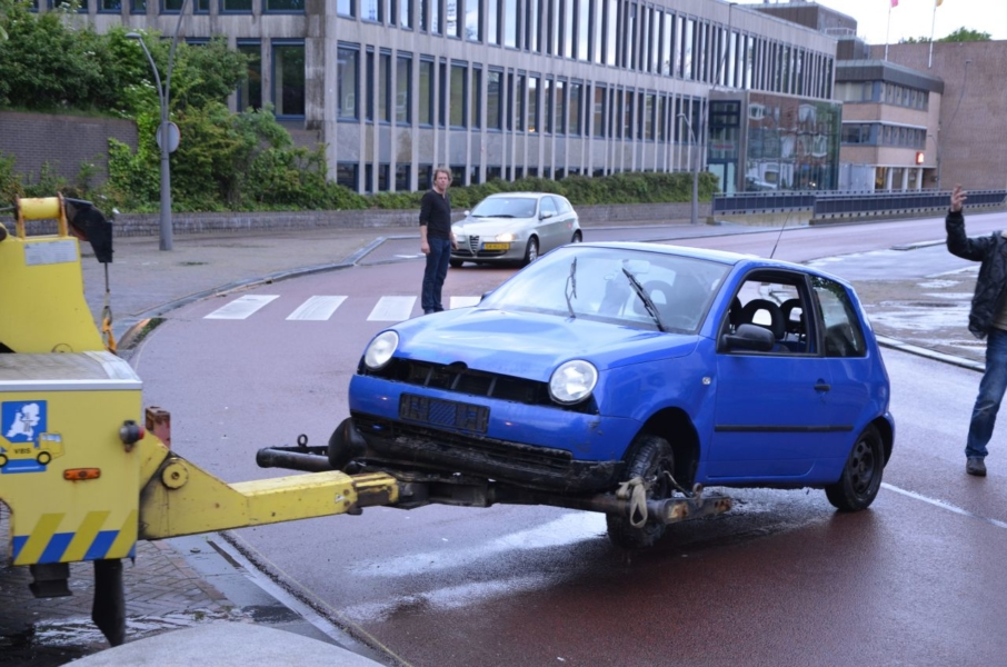 Opnieuw auto te water bij Oldehove