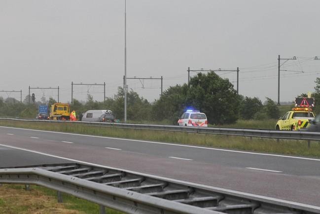 Automobilist verliest caravan op A32