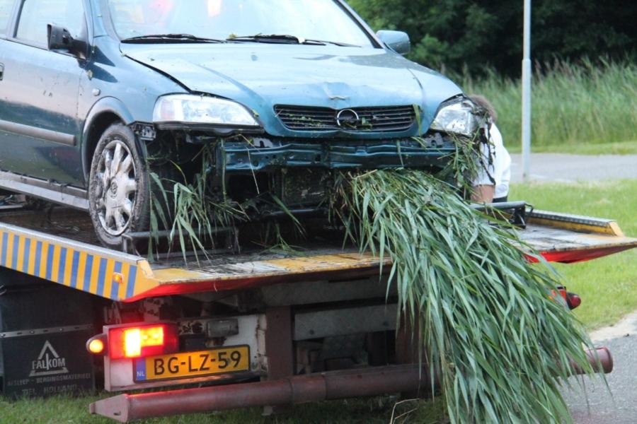 Automobilist van de weg na vermoedelijke onwelwording