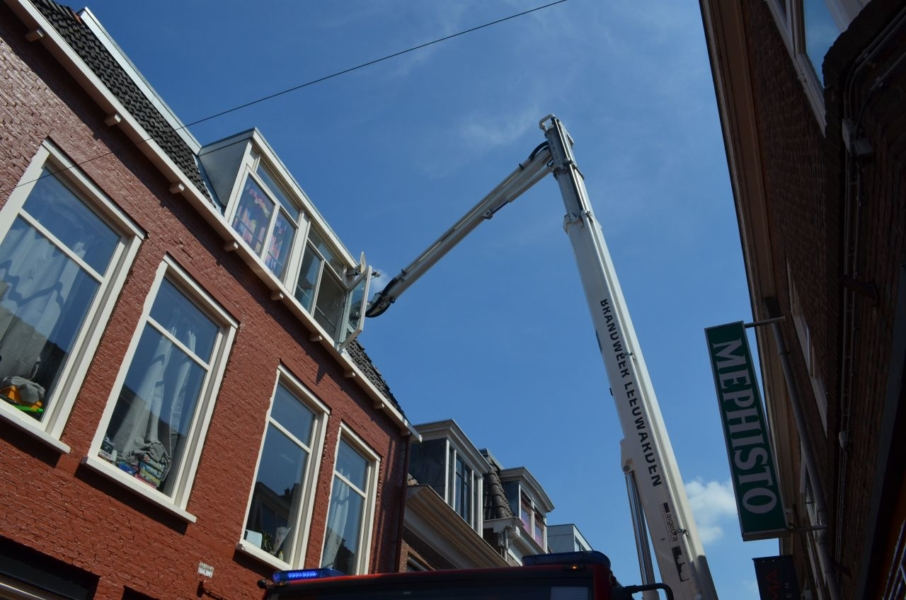 Winkelstraat vol brandweer na melding dakbrand