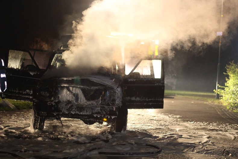 Vakantiegangers opgeschrikt door autobrand