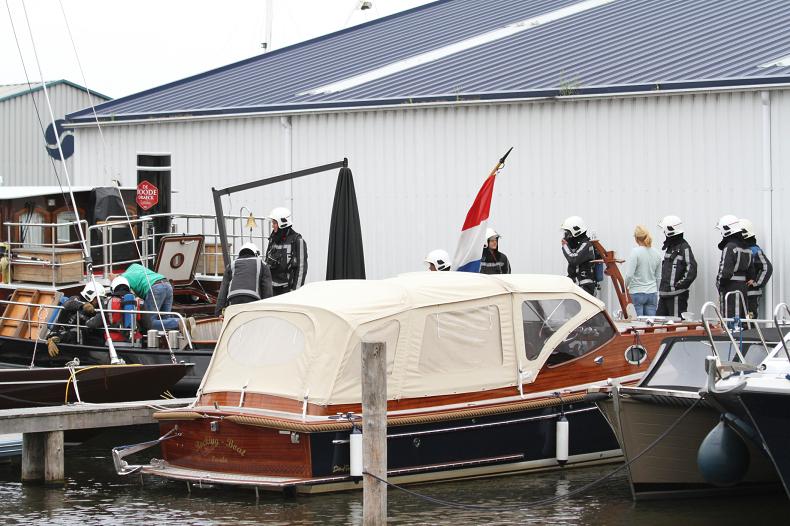 Stoomboot in brand