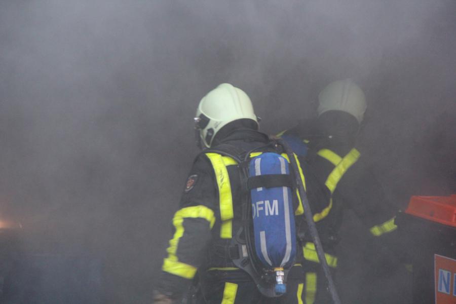 Brandweer en Wetterskip oefenen brand bij het Woudagemaal