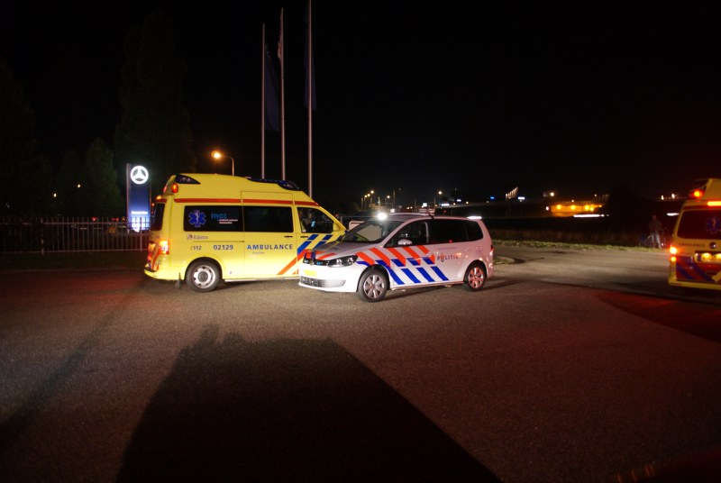 Brandweer in actie voor rokende Mercedes